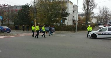 FOTO-VIDEO / Pieton lovit pe trecere, pe bulevardul Mamaia.