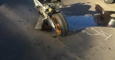 Accident între un autoturism şi o motocicletă, în municipiul Constanţa