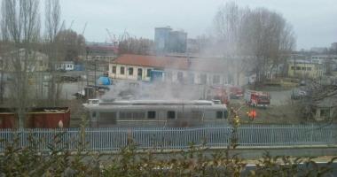 Arde o locomotivă în Portul Constanţa!