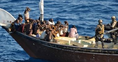 27 de piraţi somalezi au fost condamnaţi la şapte ani de închisoare