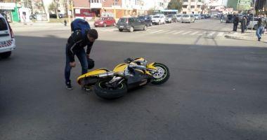 GRAV ACCIDENT LA CASA DE CULTURĂ! VICTIMA, UN MOTOCICLIST