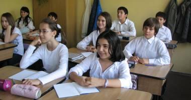 Peste 300 de elevi constănţeni