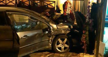 GALERIE FOTO / Accident rutier pe strada Theodor Burada. Două victime