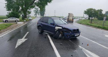 GALERIE FOTO / Accident rutier la intrare în Hârşova. Două victime