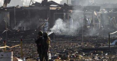 Explozie de amploare la un depozit de artificii: Cel puţin 19 morţi şi zeci de răniţi