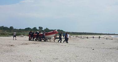 Au fost reluate căutările pe plaja Corbu. Echipele de intervenţie caută copilul de 14 ani şi un militar dispărut