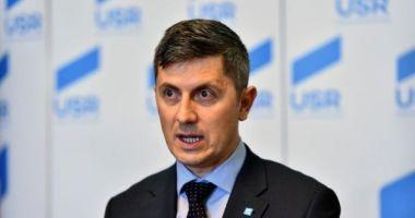 Barna: Referendumul pe justiţie este de fapt un referendum pentru rămânerea în Europa