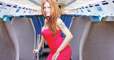 Stewardesa de la Tarom