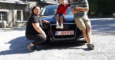 IMAGINEA ZILEI / Un alt român vine în țară cu mașina cu numere anti-PSD