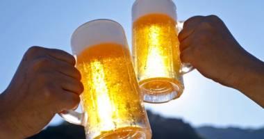 Ce se întâmplă, de azi, cu berea la halbă