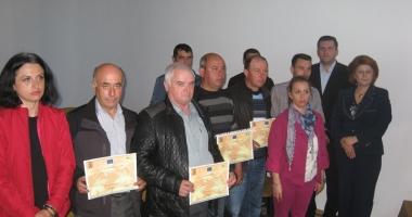 40 de fermieri constănţeni  s-au specializat în managementul exploataţiei agricole