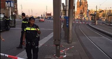 Grav incident la Amsterdam. O mașină a intrat într-un grup de oameni. Noul bilanţ: Opt victime!