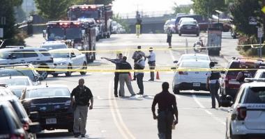Galerie foto. ATAC ARMAT ÎN VIRGINIA (SUA). Mai multe persoane rănite, atacatorul mort