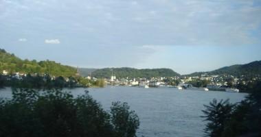Apele Rinului au scăzut dramatic pentru transportatori