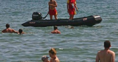 Salvaţi de la înec de salvamari