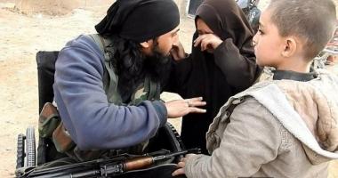 Momentul halucinant în care un jihadist își ia rămas bun de la copiii săi, înainte să se detoneze