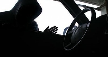 Hoţ din maşini, prins de Secţia 5 din Constanţa