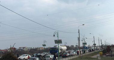 Protest şi la Constanţa faţă de lipsa autostrăzilor în România. Oamenii au oprit lucrul pentru 15 minute