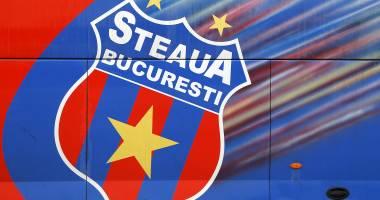 Cel mai nou transfer al roş-albaştrilor şi-a pus semnătura pe contract