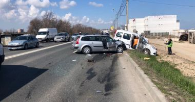 GALERIE FOTO / Accident rutier între Eforii! Două maşini implicate, O VICTIMĂ!