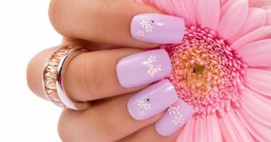 Cum să îngrijeşti corect unghiile