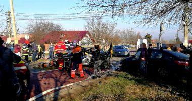 IMPACT DEVASTATOR. Accident între un TIR și două mașini, ȘASE VICTIME la spital