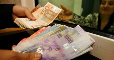 Judecătorii îngheaţă cursul francului elveţian la 2,1 lei.  Ce se întâmplă  cu creditele  în această monedă