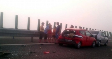 GALERIE FOTO - VIDEO / Accidente �n lant pe Autostrada Soarelui