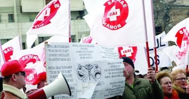 Mii de medici îşi cer drepturile în stradă