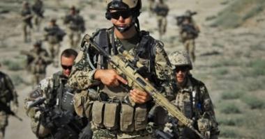 Coaliţia internaţională a ucis din greșeală 18 combatanţi aliaţi, în Siria