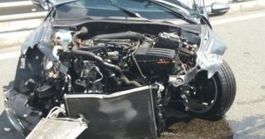 VIDEO. ACCIDENT VIOLENT PE AUTOSTRADĂ! Un tânăr care circula cu 236 de KM/H a derapat, după ce i-a sunat telefonul
