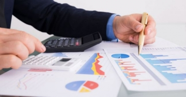 Rectificare bugetară pozitivă / Ministerele Muncii, Afacerilor Interne, Transporturilor, Sănătății, Justiției și Educației primesc bani în plus