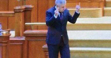 Ce sancțiuni riscă Florin Iordache după semnul obscen din Parlament