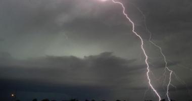 Update. A fost prelungit codul galben de ploi şi furtuni, la Constanţa
