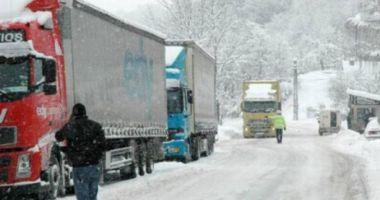 Circulația rutieră restricționată la 12 tone, la punctul de trecere a frontierei Giurgiu – Ruse