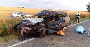 Foto : GALERIE FOTO / Accident grav în Constanţa. Trei persoane au murit şi patru au fost rănite!