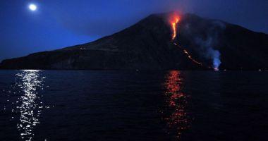 ALERTĂ! După Etna, Stromboli, al doilea vulcan italian, este gata să erupă