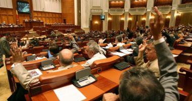 Este oficial. Parlamentarii pot fi numiţi în Consiliile de Administraţie din subordinea Parlamentului