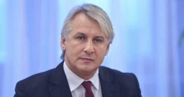 Eugen Teodorovici şi-a înregistrat la OSIM sloganul pentru Preşedinţie: Insist pentru România