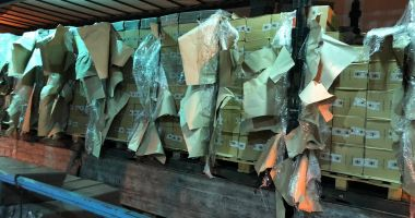 800 de baxuri de ţigări de contrabandă, confiscate de vameși