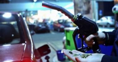 O nouă taxă pe carburanţi, în locul luptei cu corupţia şi evaziunea fiscală