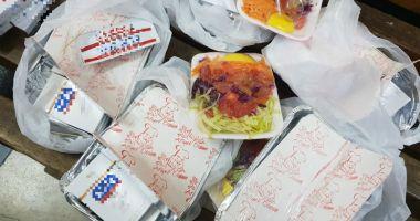 A ascuns ţigările de contrabandă în caserolele cu mâncare