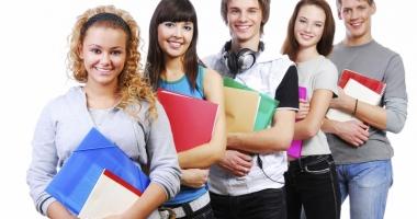 Tinerii pot cere şomaj dacă nu se angajează în maxim două luni de la absolvire