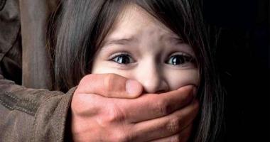 O elevă a fost agresată sexual de un muncitor