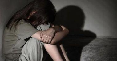 Caz șocant. O adolescentă a fost răpită, biciuită şi pusă să joace în filme pentru adulţi