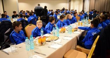 """Se fac """"recrutări"""" la fabrica de fotbalişti a lui Gheorghe Hagi"""