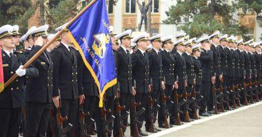 Sute de locuri, pentru o carieră militară, la Academia Navală