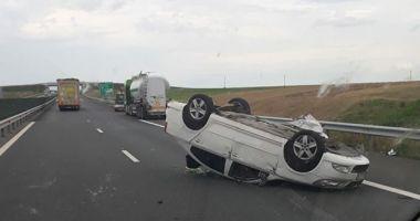 Grav accident rutier pe Autostrada Soarelui. O maşină s-a răsturnat! Sunt patru victime