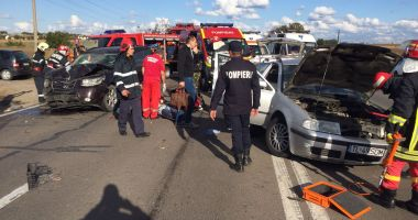 Accident grav la ieşire din Constanţa! Mai multe ambulanţe sunt la faţa locului