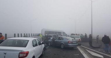 Accident în lanţ pe autostradă! Opt maşini s-au ciocnit